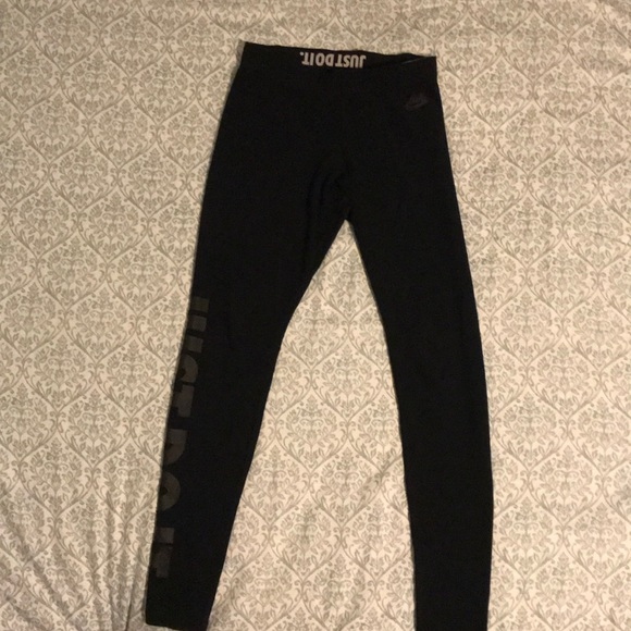 Nike Pants - Nike Black Sportswear Leggings Size S